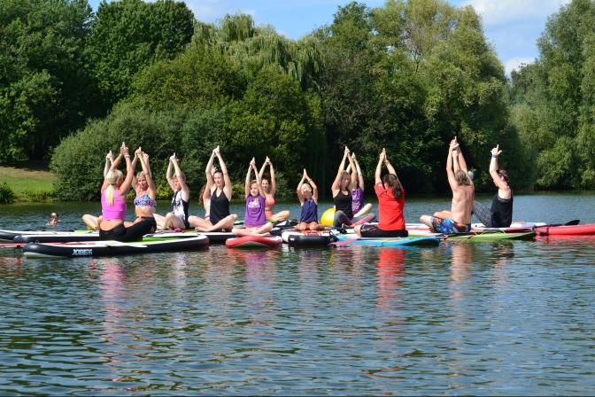 Tripada Yoga auf dem SUP